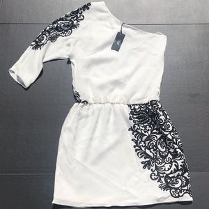 NWT Tibi One Shoulder Sleeve White/Black Dress